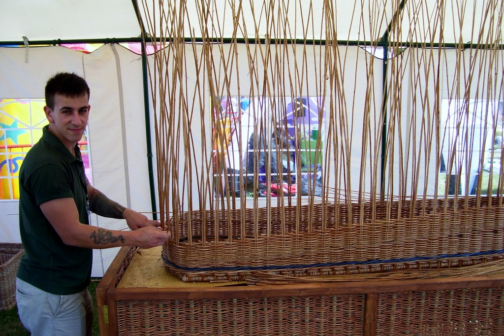 Darrell Hill willow maker
